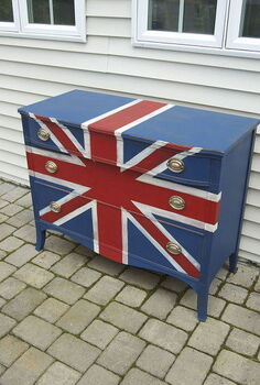 union jack dresser makeover, painted furniture, Refinished this plain jane dresser is now a focal point for travel inspired bedroom