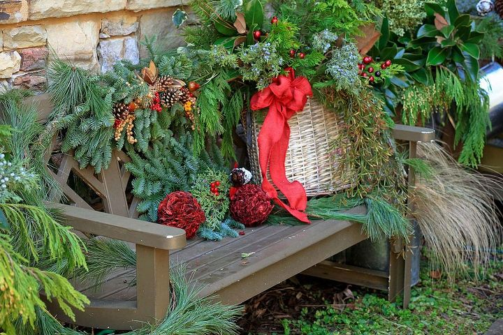 A Southern Style Christmas Garden Tour On Christmas Eve