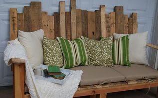 get the high end look with diy pallet furniture, painted furniture, pallet, Outdoor DIY Pallet Couch via The Ironstone Nest