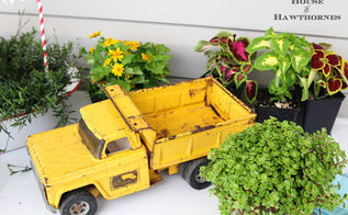 dump truck planter, diy, flowers, gardening, repurposing upcycling, I found the truck at a yard sale for 5