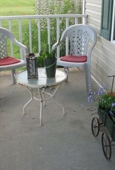 my little wagon planter, flowers, gardening, outdoor living, perennial, repurposing upcycling, little sitting area at the end of my porch