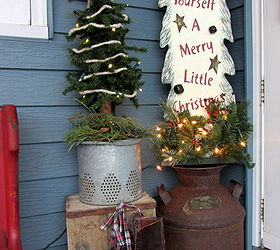 A Christmas Pew For The Patio, Christmas Decorations, Seasonal Holiday Decor,  Wreaths,