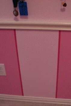 pinked stripped walls, bedroom ideas, paint colors, painting, wall decor