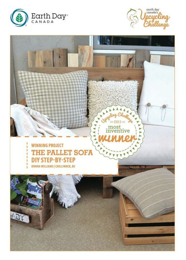 Make An Outdoor Pallet Sofa That 39 S Comfy And Cute Hometalk