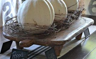 autumn centerpiece, seasonal holiday decor, Autumn centerpiece with white pumpkins Pumpkinideas