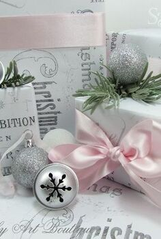 make your own vintage themed christmas wrap, crafts