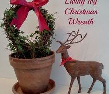 living ivy christmas wreath, christmas decorations, crafts, seasonal holiday decor, wreaths