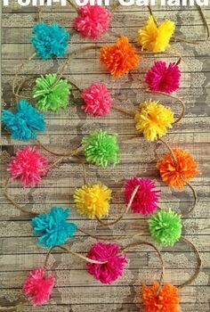 make a pom pom garland using a kitchen fork, crafts
