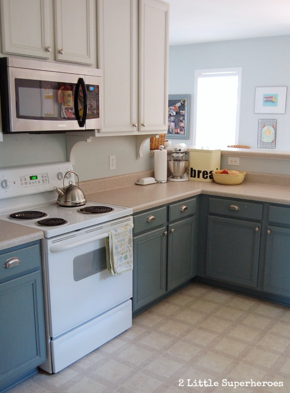 Boring To Blue Kitchen Makeover Diy Kitchen Cabinets Kitchen Design Painting