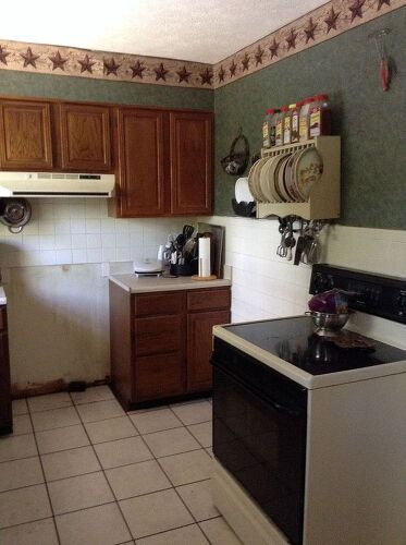 Small u shaped kitchen i need help please to make it more for I have a small kitchen that i want to remodel