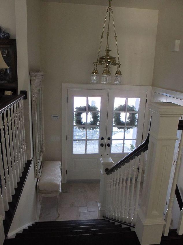 Small Foyer Dimensions : A small entrance can still look grand hometalk