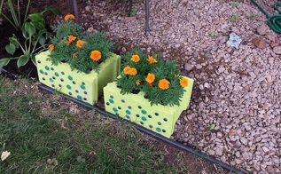outdoor decor cinder block planter, flowers, gardening, repurposing upcycling