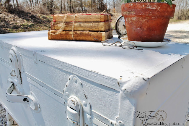 Old trunk turned shabby chic coffee table hometalk for How to turn a trunk into a coffee table