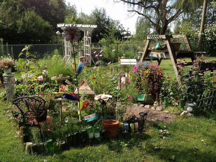 garden ideas summer art, gardening, repurposing upcycling - Summer Garden Art Hometalk