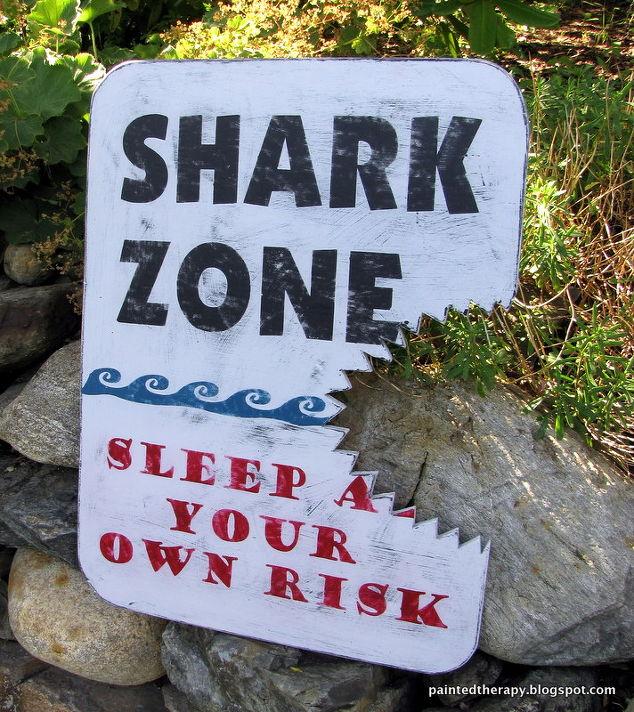 A boy 39 s shark bedroom for shark week hometalk for Decor zone bedroom