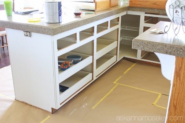 Livediy To Paint Kitchen Cabinets In 10 Easy Steps
