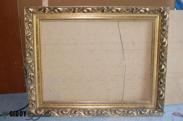 gallery wall vintage frames spray painted white french chalk paint painting wall decor