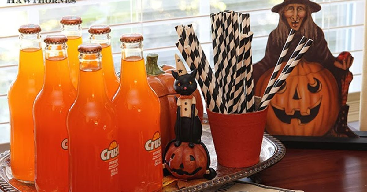vintage inspired halloween party decor hometalk - Vintage Style Halloween Decorations