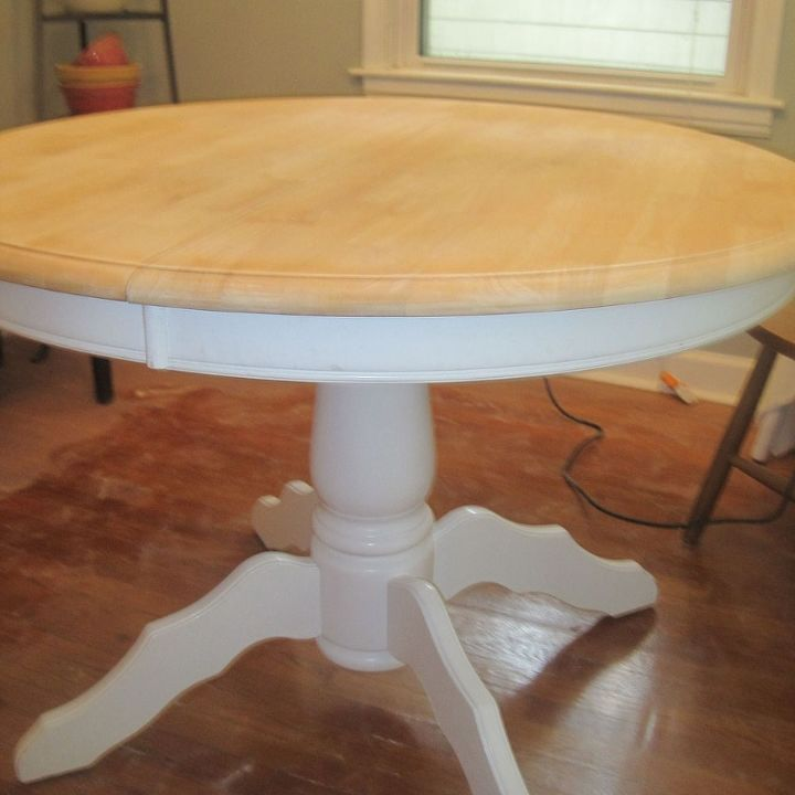 Craigslist dining table makeover tutorial hometalk for Diy dining room table ideas