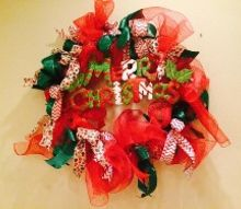 q deco mesh christmas wreath holiday craft, christmas decorations, crafts, seasonal holiday decor, wreaths