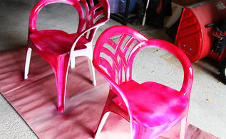 spray paint makeover idea for plain white plastic chairs, outdoor furniture, painted furniture