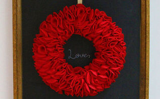 howe to make a felt wreath, christmas decorations, crafts, wreaths