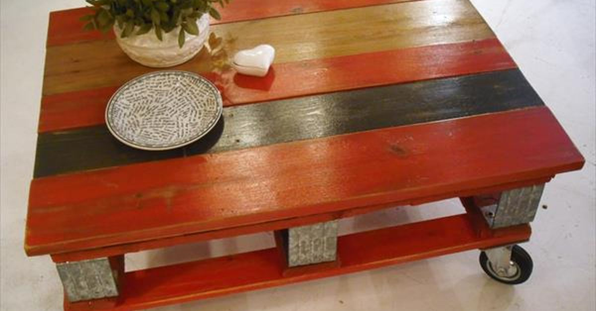 Red pallet coffee table with instructions hometalk for Painted pallet coffee table