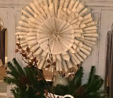 paperbook wreath, christmas decorations, crafts, repurposing upcycling, seasonal holiday decor, wreaths