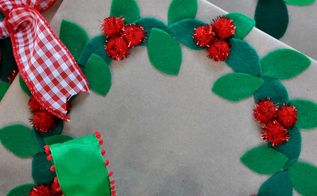 felt wreath gift wrapping idea, christmas decorations, crafts, seasonal holiday decor, wreaths