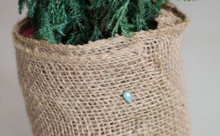 easy burlap plant container cover, crafts, gardening, home decor
