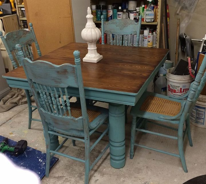 Farm table and chair updo hometalk for Painted kitchen chairs