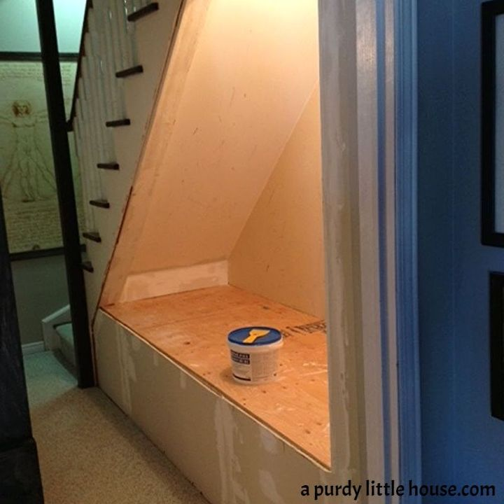plywood for the top then lots and lots of drywalling and puttying