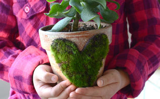 easy moss heart flower pot, crafts, gardening, home decor, how to, seasonal holiday decor, valentines day ideas