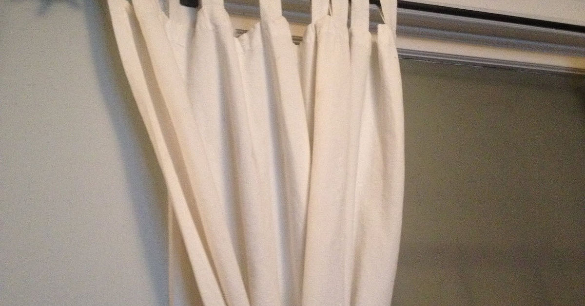 Curtain Placement Previous Owner Screwed Brackets Into Window Trim Hometalk