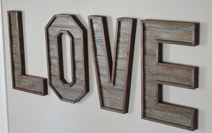 pallet wood letters crafts diy pallet repurposing upcycling rustic furniture
