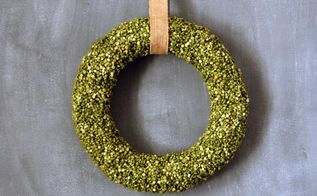 diy split pea wreath, crafts, decoupage, how to, repurposing upcycling, seasonal holiday decor, wreaths