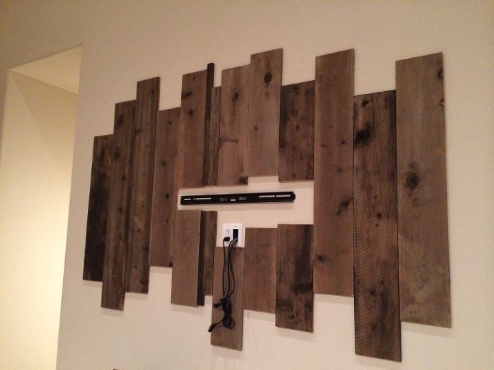Diy iron pipe wood shelf hometalk for Pipe decorating ideas