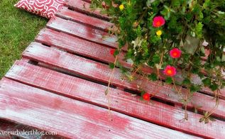 outdoor pallet table, outdoor furniture, painted furniture, pallet, repurposing upcycling
