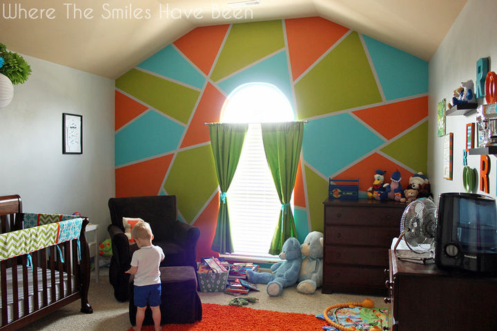 Bright bold accent wall in little boy 39 s room hometalk for How will my room look painted