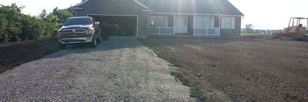 q lining a driveway with, concrete masonry, curb appeal, gardening, landscape