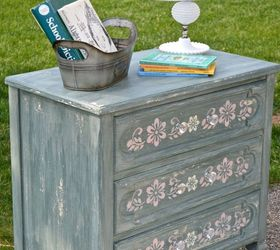 painting old furniture shabby chic