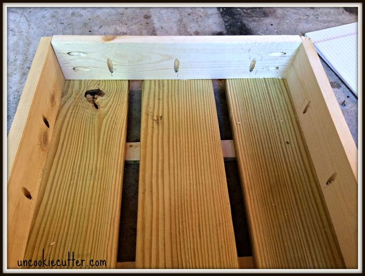 Build Your Own Stacked Crate End Table – Make Your Own End Table