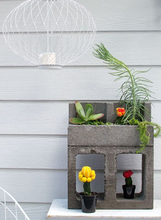 cinder block cacti planter hometalk. Black Bedroom Furniture Sets. Home Design Ideas