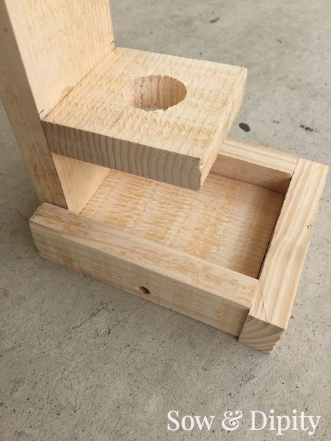 Diy bird feeder made from pallet wood hometalk for Crafts made with pallets