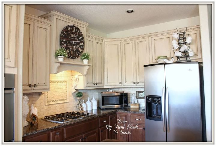 Creating a french country kitchen cabinet finish using for Chalk paint kitchen cabinets