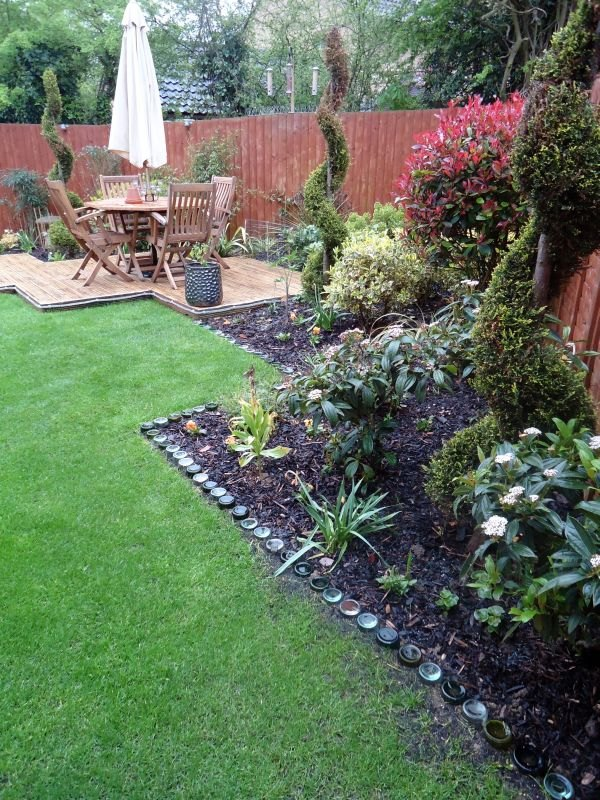 Garden Edge Ideas 17 simple and cheap garden edging ideas for your garden 10 9 Amazing Garden Edge Ideas From Wildly Creative People Concrete Masonry Container Gardening