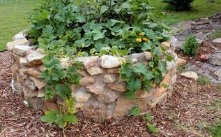building a keyhole garden, container gardening, gardening, go green