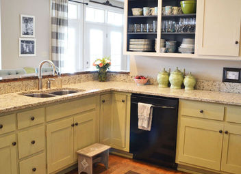 Step By Step Painting Of Kitchen Cabinets With Dixie Belle