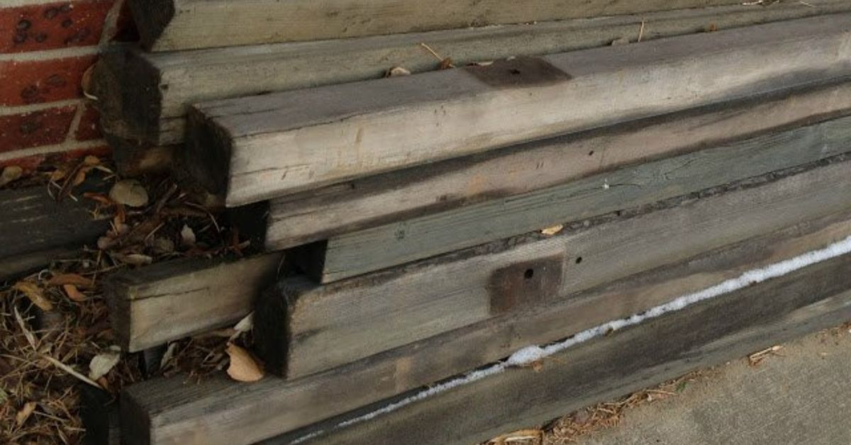 Free reclaimed wood table hometalk for Where to find reclaimed wood for free