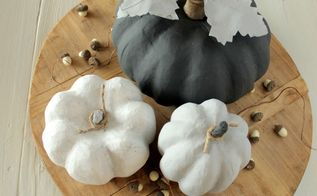 chalk painted pumpkins, chalk paint, crafts, halloween decorations, seasonal holiday decor